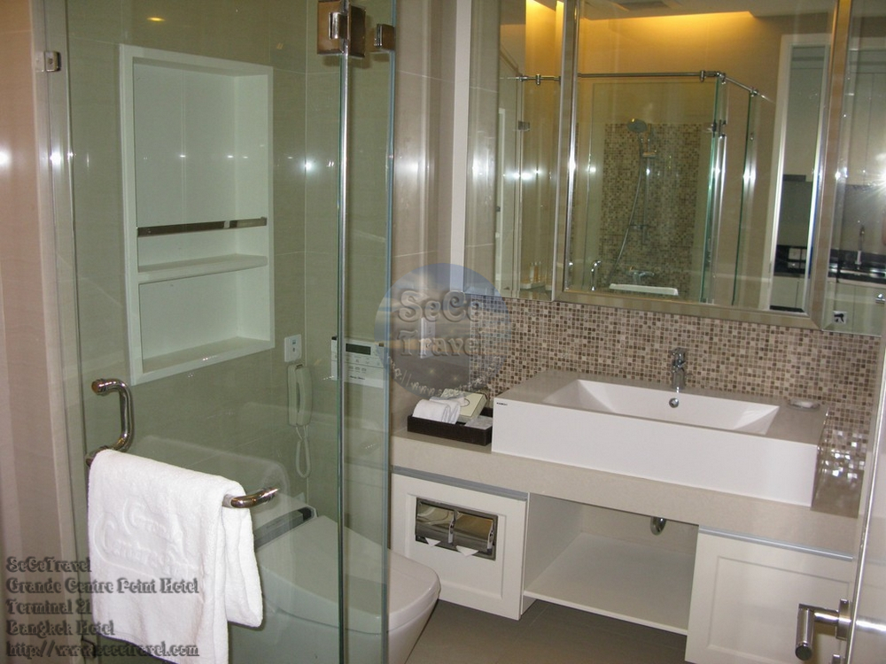 SeCeTravel-Grande Centre Point Hotel Terminal 21-Grand Deluxe-bathroom2