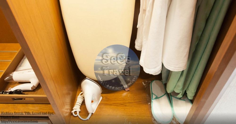 SeCeTravel-Maikhao Dream-2 BEDROOM POOL VILLA-MASTER ROOM DRESS1