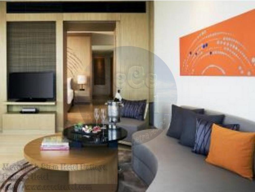 SeCeTravel-Movenpick Siam Hotel Pattaya-Executive Suite Sea View-living room1
