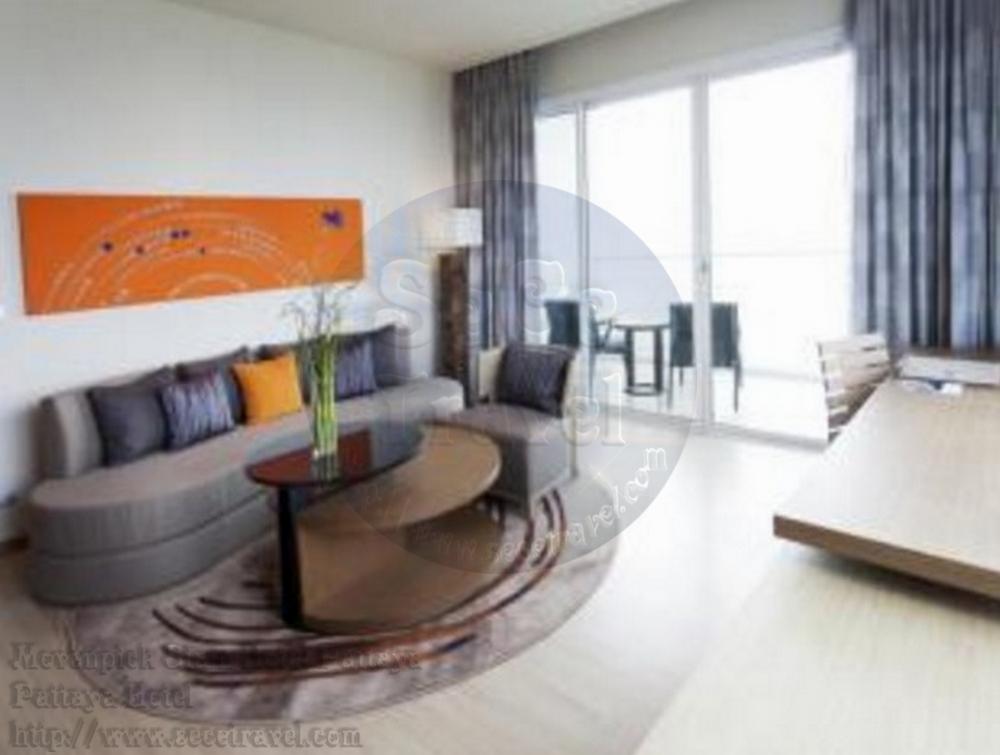 SeCeTravel-Movenpick Siam Hotel Pattaya-Executive Suite Sea View-living room3