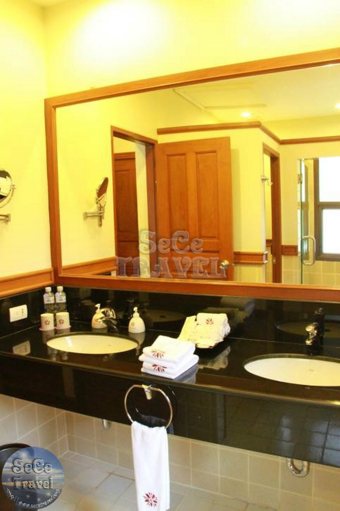 Angsana Laguna Grand Pool Residence-BATHROOM-1